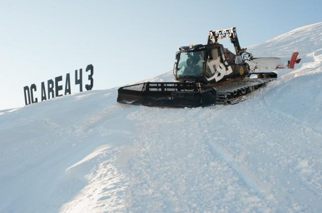 1362586923_4002_DC_snowcat_credit_photo_Jeremy_calvo
