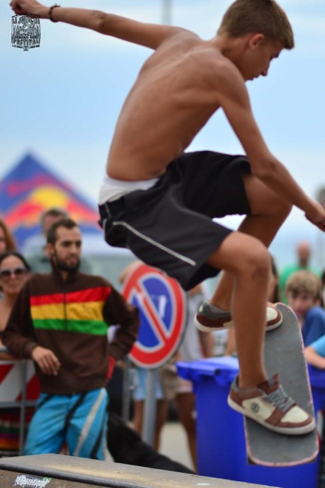 6 Li Junchi Longboard GREEN Festival 2013 Badesi surf skate longskate