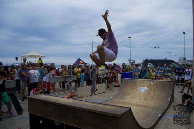 7 Li Junchi Longboard GREEN Festival 2013 Badesi surf skate longskate
