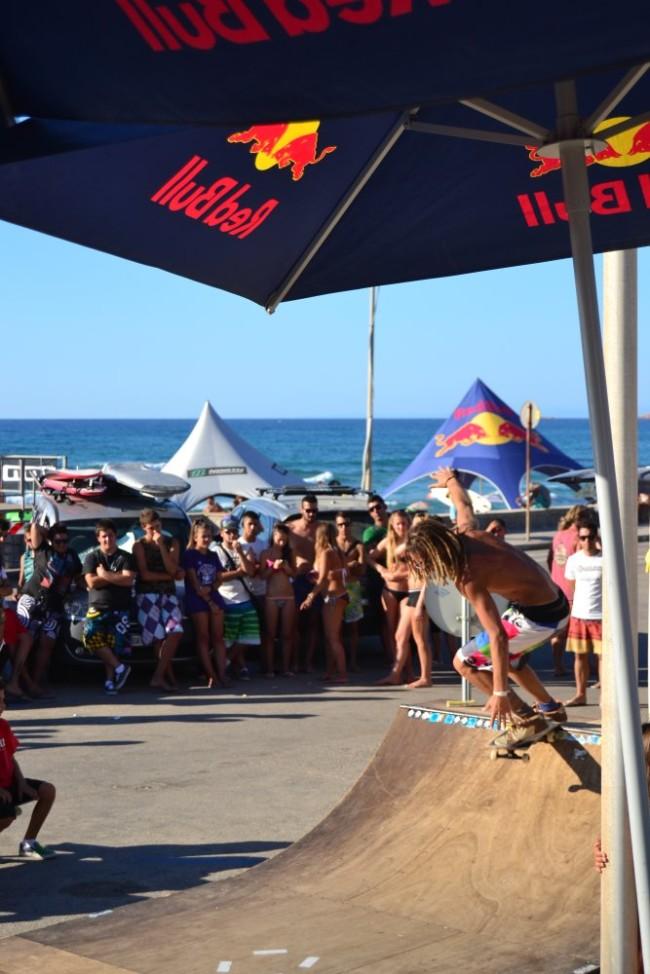 9 Li Junchi surf longboard badesi sardegna 2014