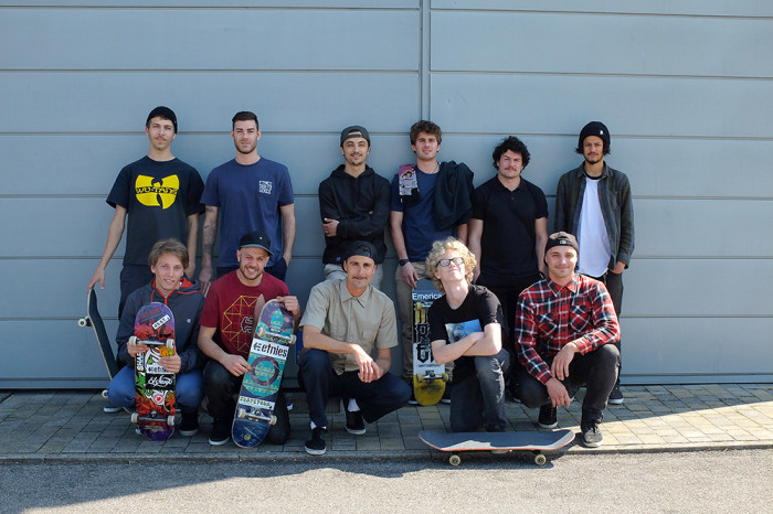 Blue Distribution team session @ The Wall Skatekrap