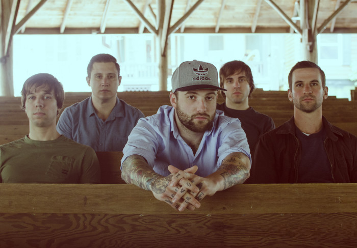 AUGUST BURNS RED: 'FOUND IN FAR AWAY PLACES' DISPONIBILE IN STREAMING