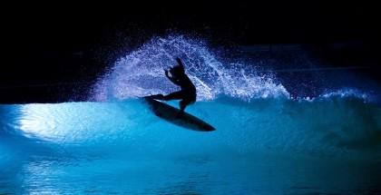 wavegarden-night-surfing-disco