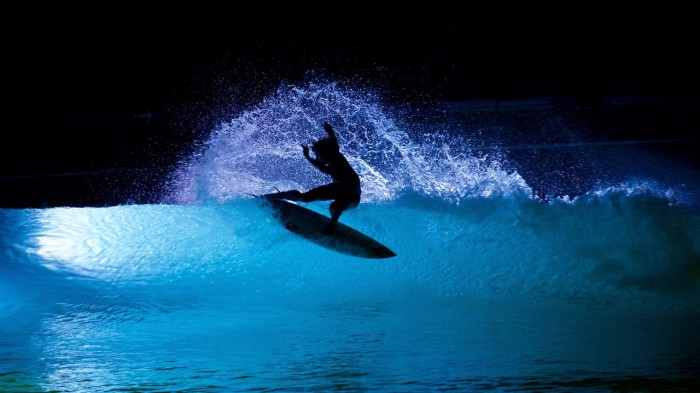 Wavegarden Basque Country experiments with night surfing