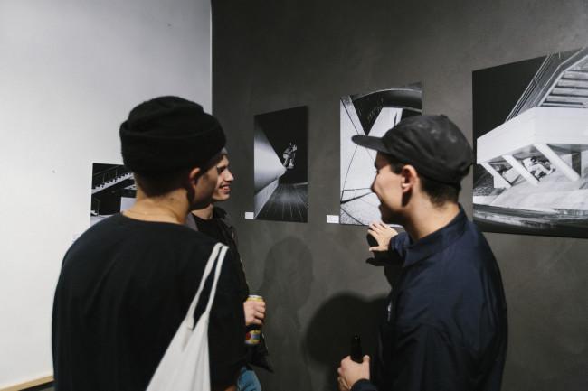 2. exhibition_paris
