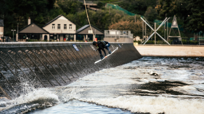 World premiere – Riding the wakeboard over an artificial wave in Wales (GBR)