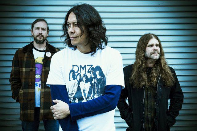 Earthless – pubblicano il secondo singolo del disco, la title track 'Black Heaven'