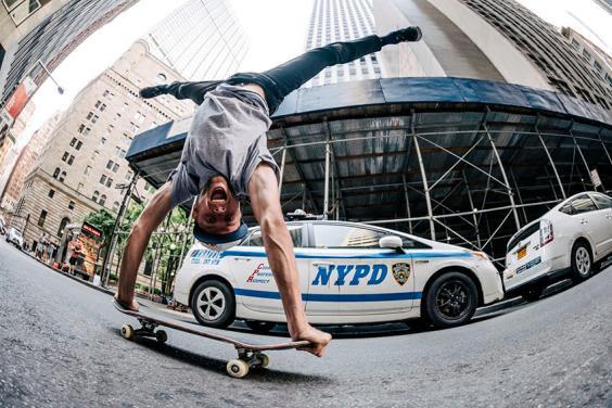 Online il video DC 'Street Sweeper'