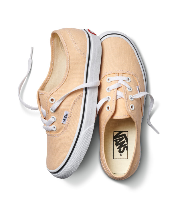 fa18_classics_color_theory_vn0a38emu5y_authentic_bleachedapricottruewhite