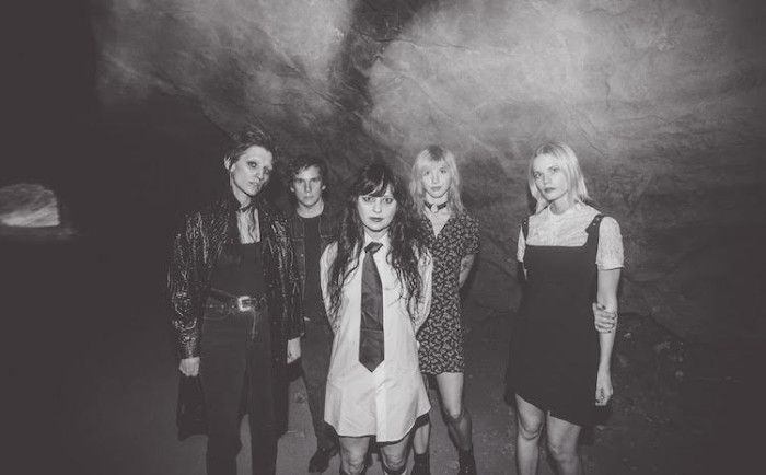 Death Valley Girls, 'Darkness Rains' – nuovo album per la garage rock californiana