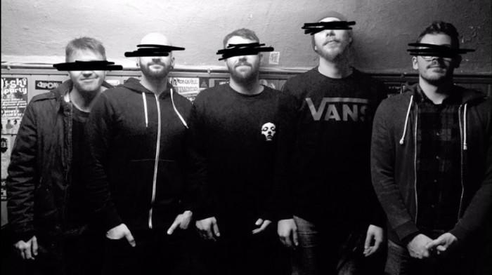 Nuovo singolo a sorpresa annuncia l'album di ritorno dei mantovani Attic