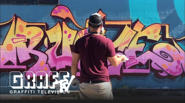 GRAFFITI TV: RUSTE