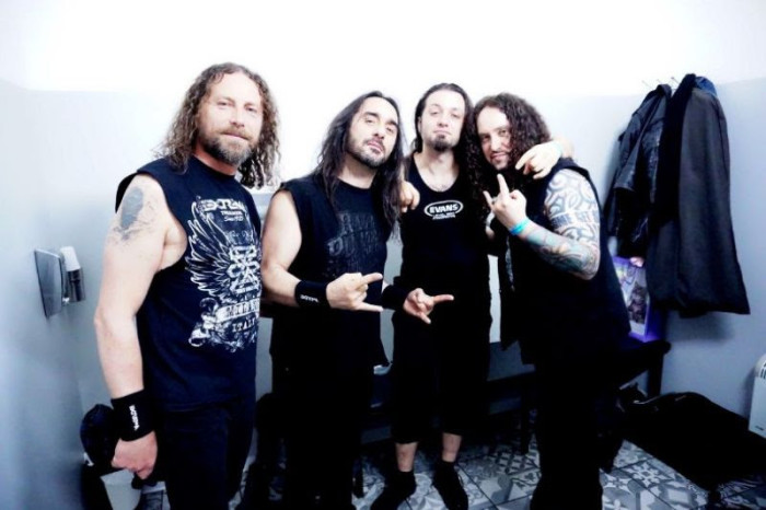 Extrema pubblicano il video di 'Headbanging Forever'