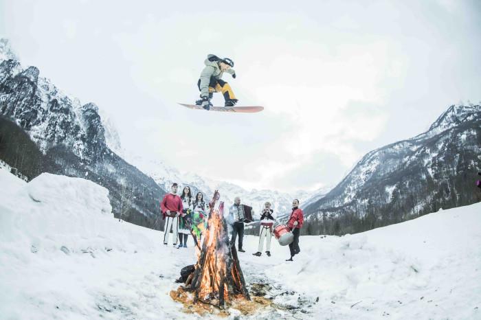Nitro Snowboard presenta 'Offline'