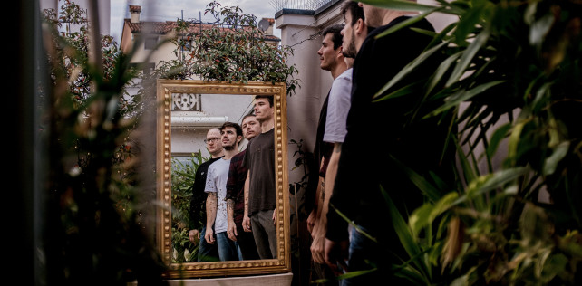 Regarde pubblicano 'Wide Awake' primo singolo del nuovo LP 'The Blue And You' – premiere