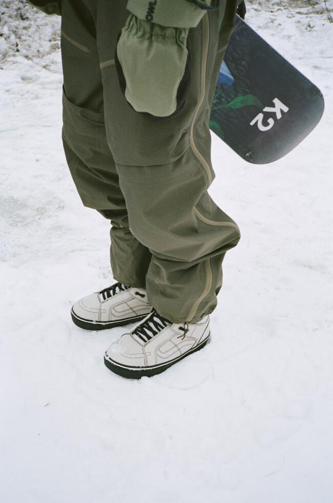 fa20_snow_histandardog_vn0a3tfj0bs_jakekuzyk_mbblk_elv_25151_oga_003-29-8-9