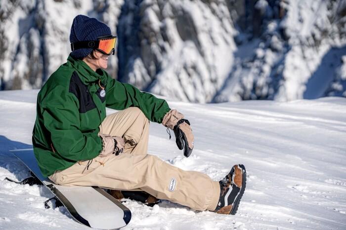 Arthur Longo shredding Japan | Volcom Snowboarding