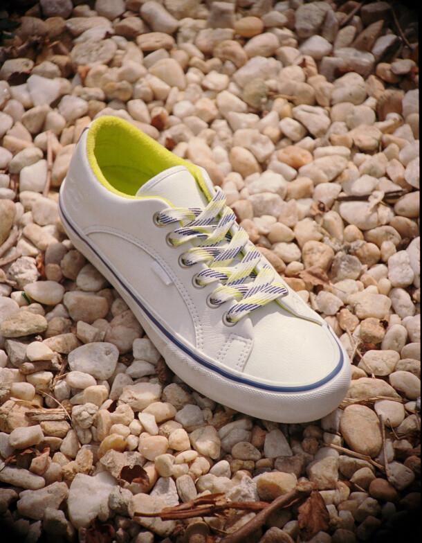 ho20_skateltd_quartersnacks_lampinpro_vn0a4vhx2ym_wht_shoe1