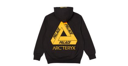 palace-holiday-arc-teryx-hood-black-10778-ct-1024x717