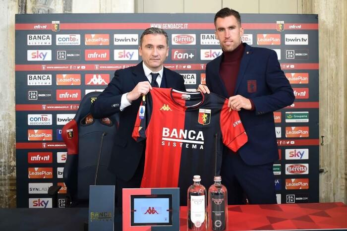 Kevin Strootman al Genoa FC inaugura le divise del nuovo fashion partner Ben Sherman