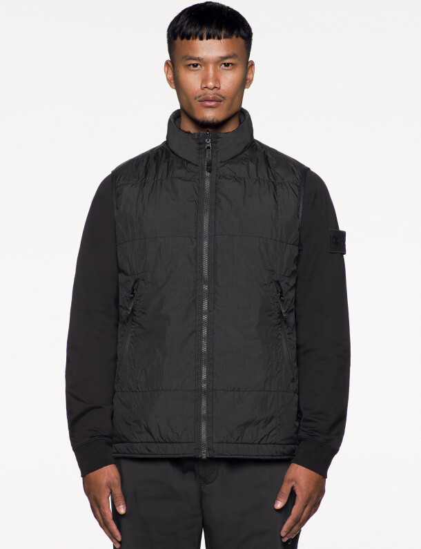 stone-island-ss021_ghost-pieces_black_-g05f1_stretch-wool-nylon_rgb