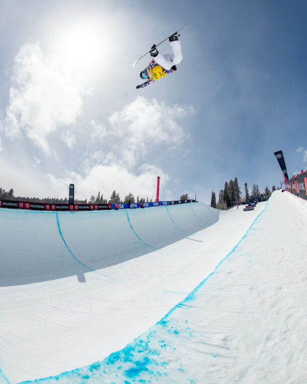chloe-kim_grand-prix_aspen_2021superpipe_snowboard_marcus-skin-363a20123