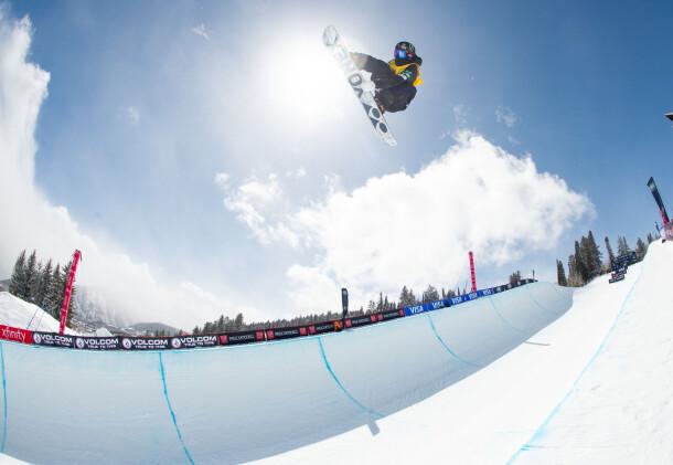 yuto-totsuka_grand-prix_aspen_2021superpipe_snowboard_marcus-skin-363a2023